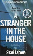 A Stranger in the House (libro en inglés) - Shari Lapena - Transworld